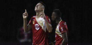 aguilas rionegro hizo la tarea en casa por Sudamericana